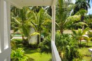 jardin-piscina-apartamento-triplex-club-playa-loma-esperanza-06-p