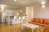sala-cocina-apartamento-1-residencia-playa-marina-las-terrenas-07-p