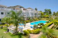 vista-exterior-piscina-fenice-03-p